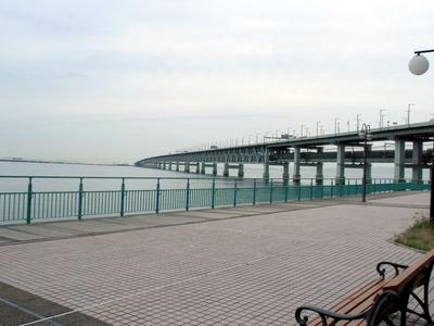 りんくう公園から関西空港連絡橋.jpg