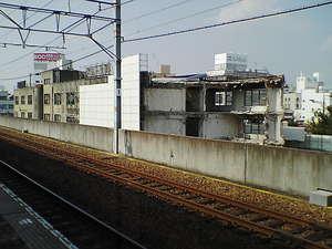 取り壊しが進む一宮駅1.jpg