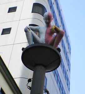 大曽根にあったおもしろい銅像.jpg