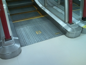 escalator2.jpg
